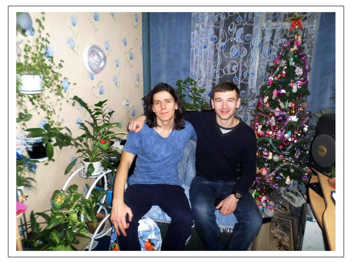 Эдвард Бедарев с другом Львом у себя дома